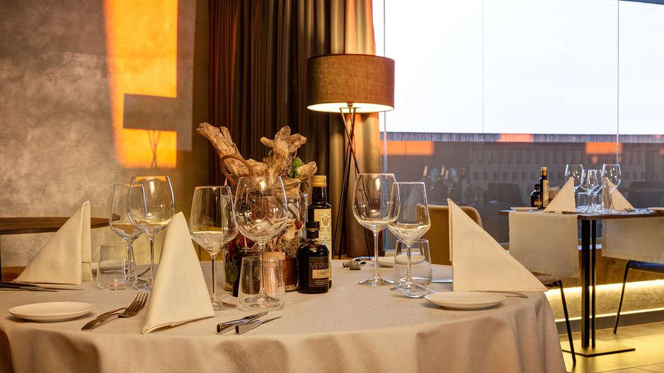 Klima Hotel Milano Fiere - edit_restaurant4.jpg
