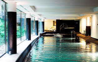 Architecture unique et accès spa dans ce luxueux hôtel 5 étoiles