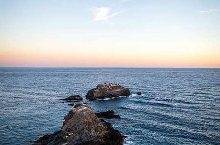Escapada en Almuñecar: Disfruta en primera linea de mar y media pensión