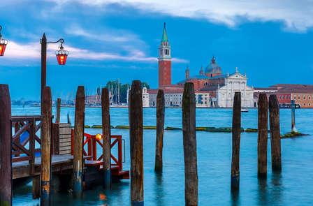 Descubre la hermosa Venecia y disfruta de una cena