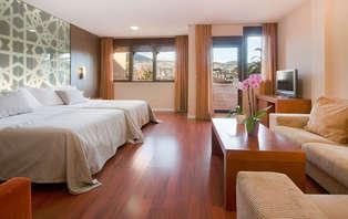 Escapada en Junior Suite:Granada con cena, spa y Jacuzzi en la habitación
