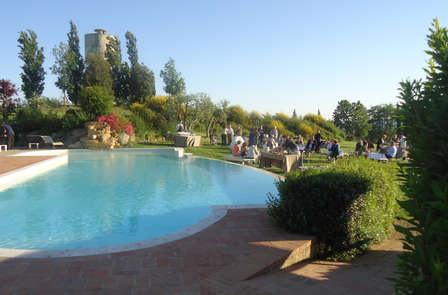 Relax vicino Firenze in un borgo medievale con accesso Spa