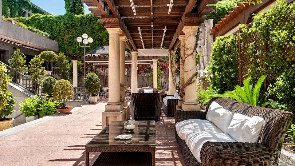 Hotel Miguel Angel by BlueBay - EDIT_terrace.jpg
