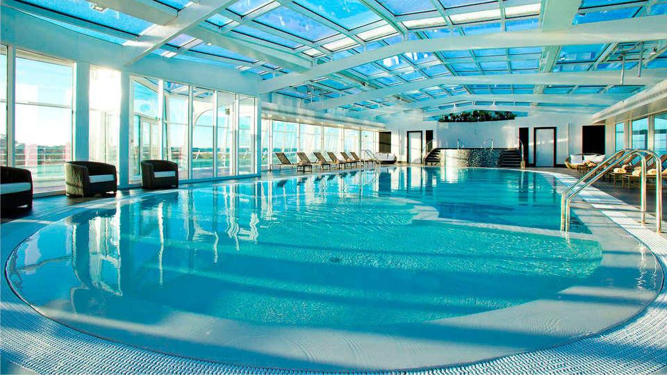 Miramar La Cigale - Hôtel Thalasso & Spa - edit_pool1.jpg