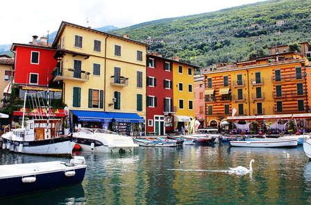 Una pausa di relax sulle sponde del Lago di Garda a Brenzone