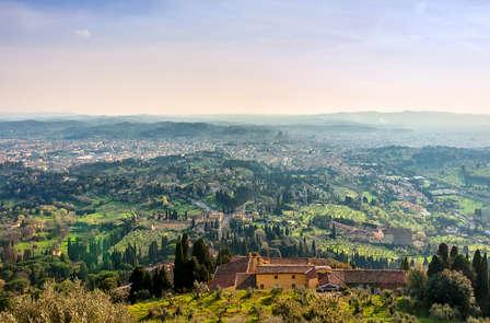 Alle porte di Firenze tra le verdi colline toscane