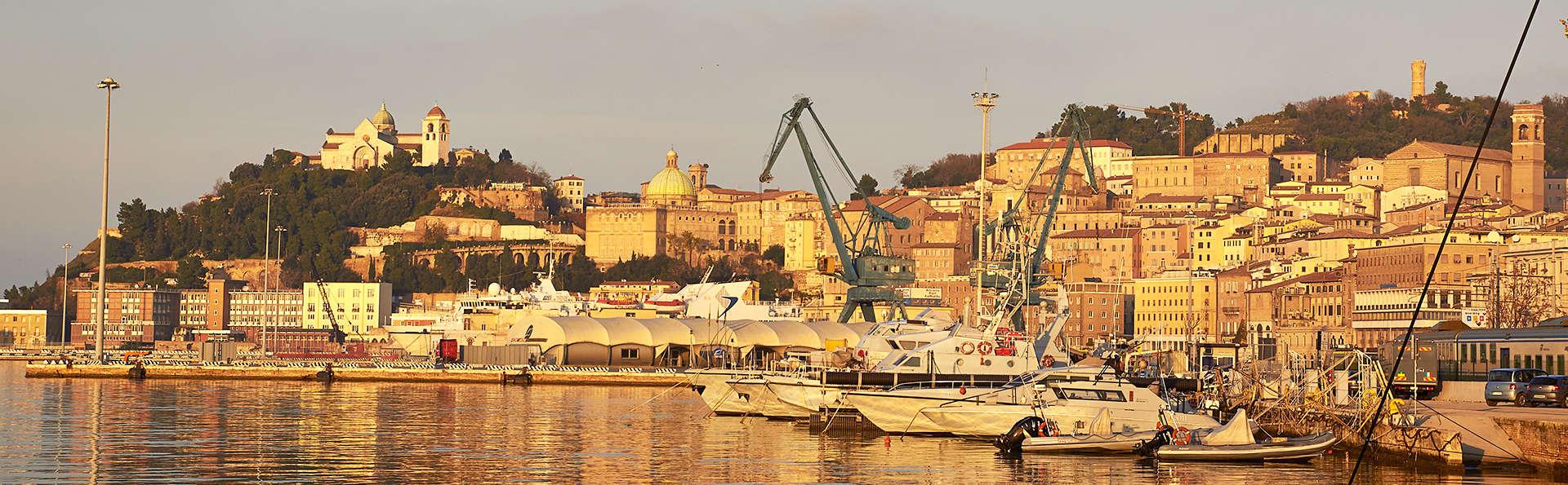 EGO Hotel Ancona - edit_Fotolia_75127688_ancona.jpg