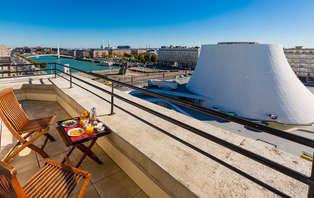 Weekend weg in een superieure kamer met terras en uitzicht op het zwembad