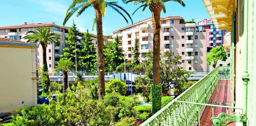 H tel vacances bleues le flor al h tel de charme cannes for Reservation hotel paca