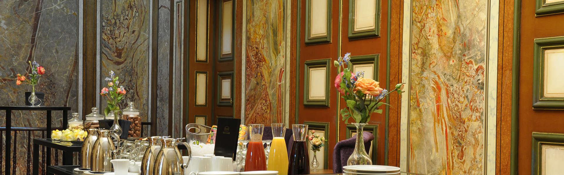 Sandton Grand Hotel Reylof Gent - EDIT_breakfast.jpg