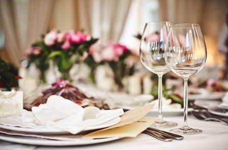 Escapada romántica con cena a la luz de las velas y champán en un castillo cerca de Poitiers