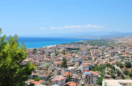 Vieni a scoprire il magnifico mare del sud Italia in un hotel a 5 stelle a Roccella Ionica