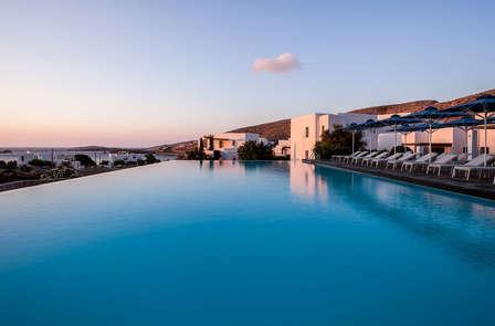 Blu a perdita d'occhio su un'isola greca (da 4 notti)