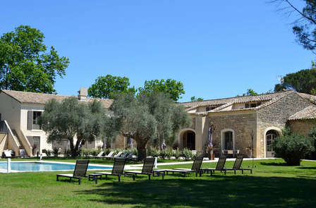 Offre Spéciale Toussaint : Week-end de charme en provence près du Pont du Gard