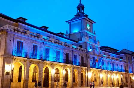Disfruta de una escapada a Oviedo con detalles románticos