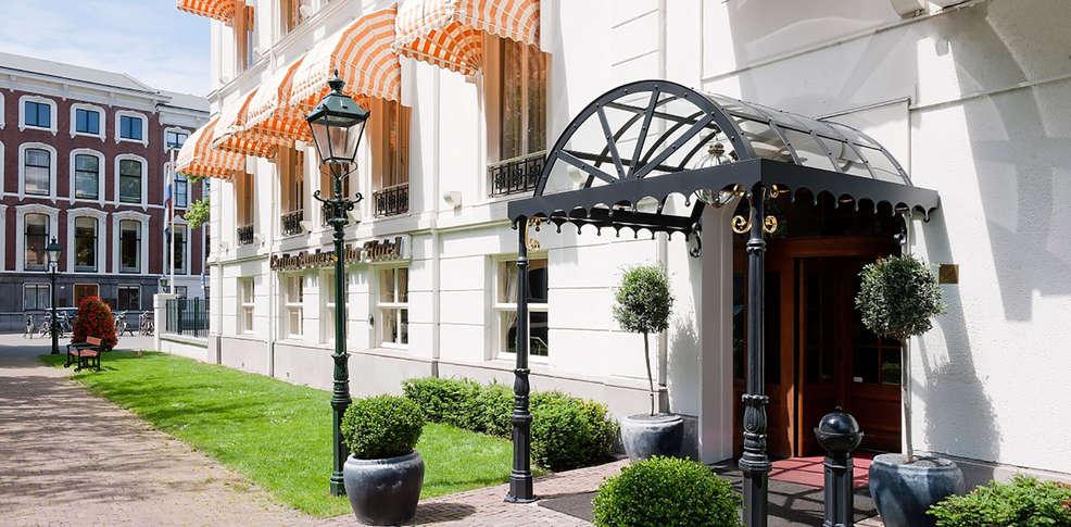 Carlton Ambassador Hotel -