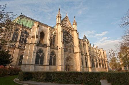 Ontspan en bezoek de Basilique Saint-Denis in Parijs