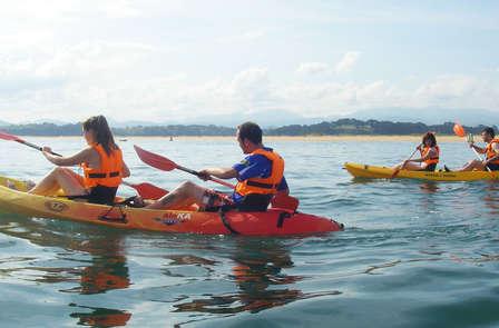 Escapada aventura: Descubre la Bahía de Santander en Kayak