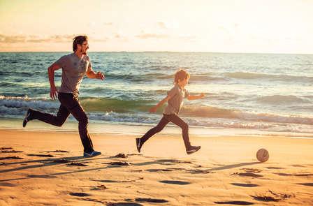 Últimos rayos de sol en Rota con media pensión y 1 niño gratis