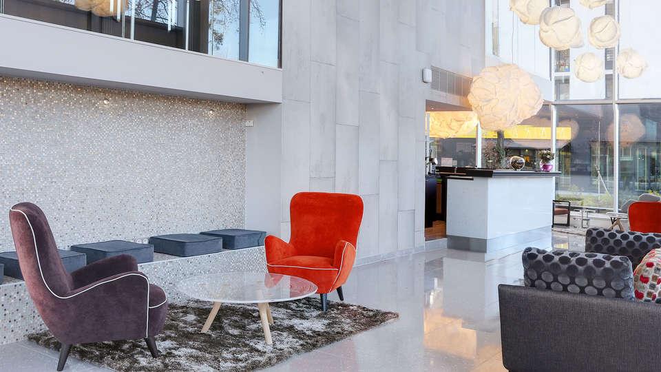 BEST WESTERN PLUS Hôtel Isidore - EDIT_lobby1.jpg