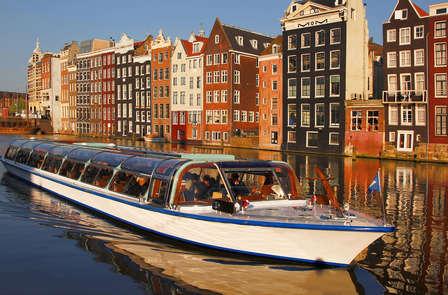 Paseo en barco por los canales de Ámsterdam