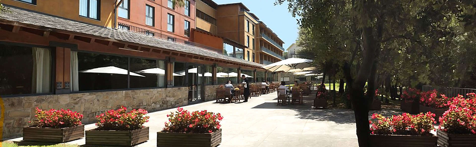 Montanyà Hotel & Lodge - EDIT_front23.jpg