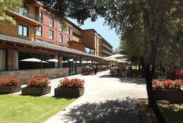 Montanyà Hotel & Lodge -