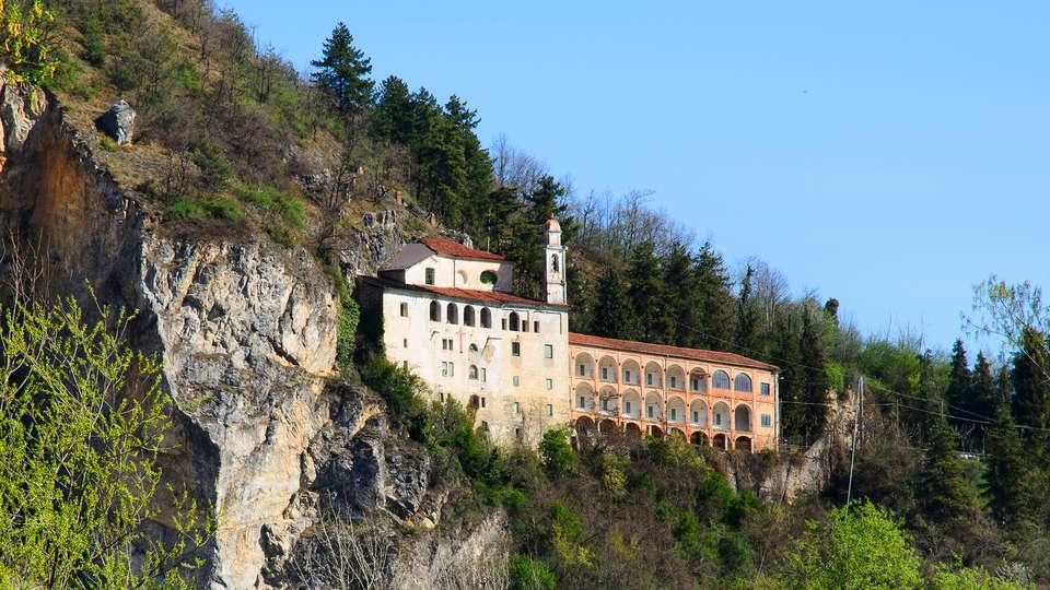 Park Hotel Ristorante Villa Nasi - edit_shutterstock_119516236_mondovi.jpg