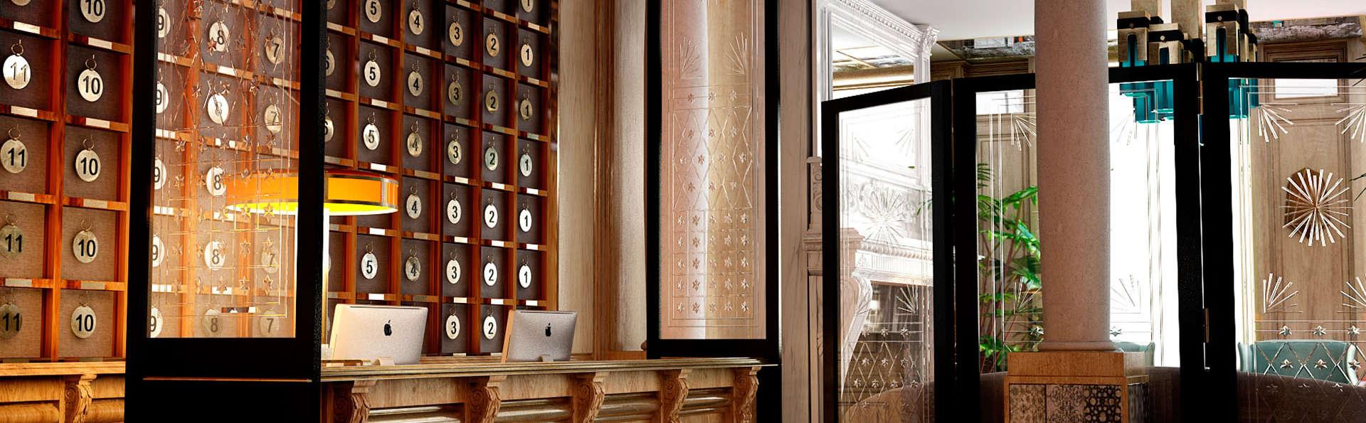 Boutique Hotel H10 Villa de la Reina - EDIT_reception1.jpg