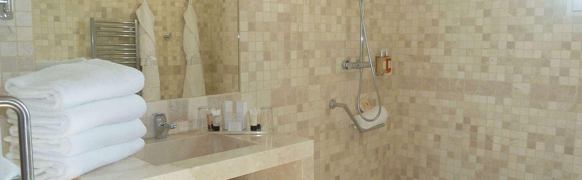 Dolce Frégate Provence - EDIT_bathroom214.jpg