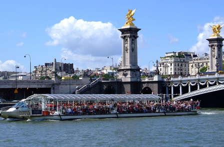 Succombez au charme de Paris en naviguant sur la Seine