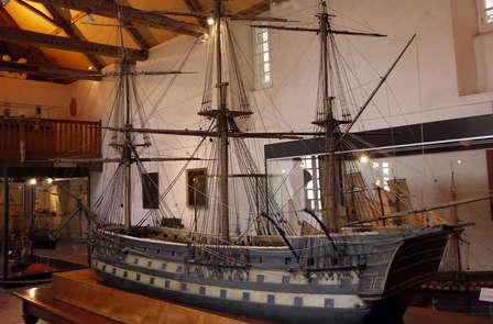 Nuove scoperte a Six-Fours les Plages con ingresso al Museo Nazionale della Marina