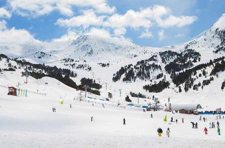 Sugli sci a Grandvalira e soggiorno nel cuore di Andorra la Vella (da 2 notti)