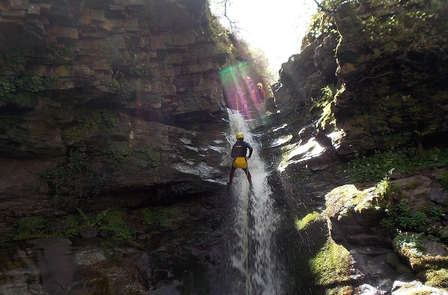 Oferta exclusiva: Escapada con Barranquismo y Visita a las Cuevas de Altamira en Santillana del Mar