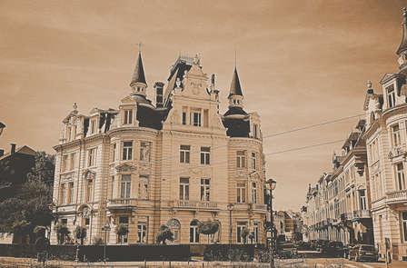 Ontdek de straten van Antwerpen in een oldtimer (vanaf 2 nachten)