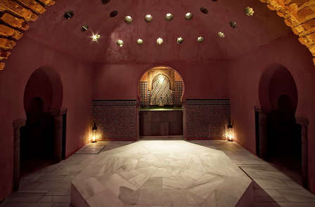 Weekend con Hammam: Fusion tra design e relax in Granada