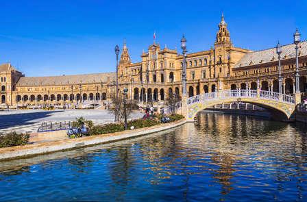 Escápate a Sevilla y siente su embrujo
