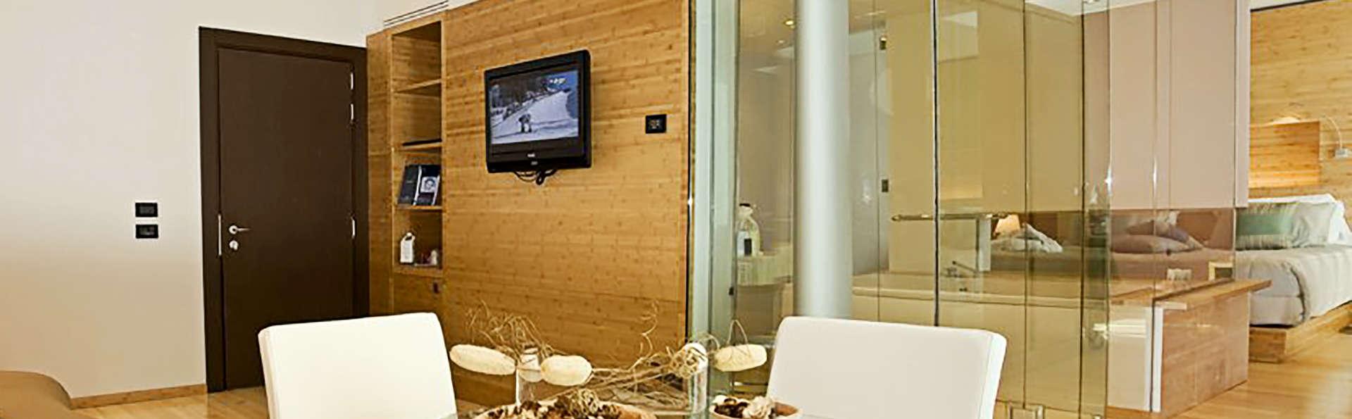 Hotel Diamante - Edit_Room5.jpg