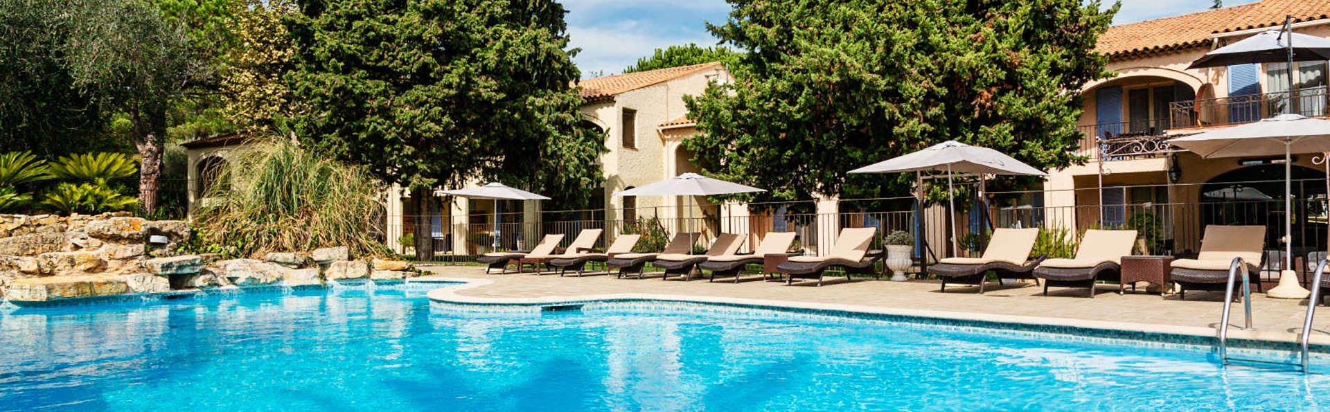 Hôtel Spa la Lune de Mougins - EDIT_pool3.jpg
