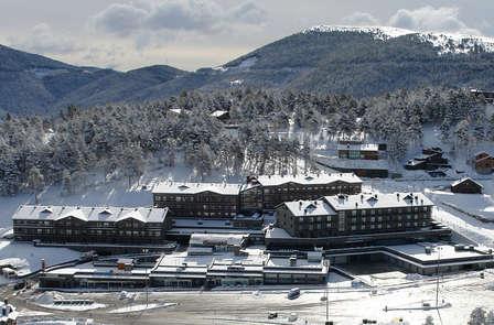Esquí y Relax: Descubre La Molina con esta escapada con forfaits y spa