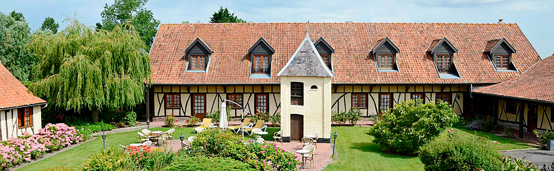 Hôtel Le Fiacre - Edit_Front.jpg