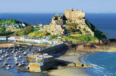 Découvrez l'île Anglo-Normande de Jersey et reposez-vous à Saint-Malo