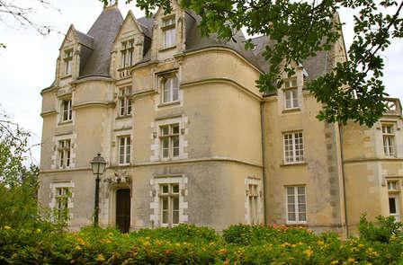 Vacances dans un château près de Poitiers avec entrées deux jours au Futuroscope (3 nuits)