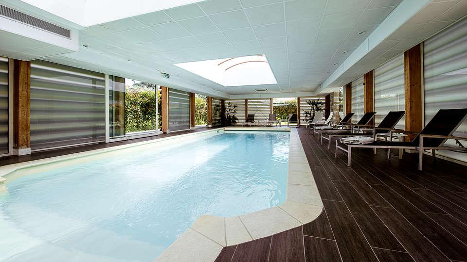 week end spa rueil malmaison avec 1 acc s au spa pour 2 adultes partir de 163. Black Bedroom Furniture Sets. Home Design Ideas