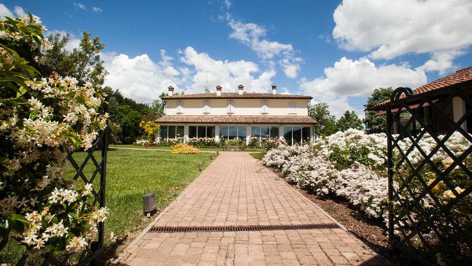 Relais Villa Abbondanzi - EDIT_front.jpg