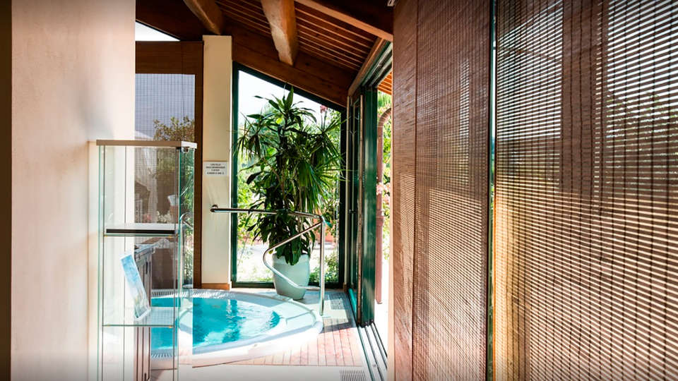 Relais Villa Abbondanzi - EDIT_spa1.jpg