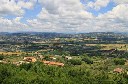 Soggiorno con degustazione nel borgo medievale di Monte Castello di Vibio