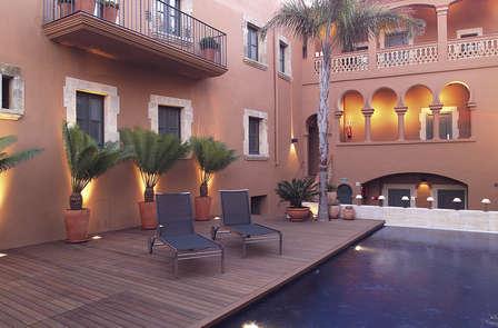 Noche de lujo y bienestar cerca de Tarragona