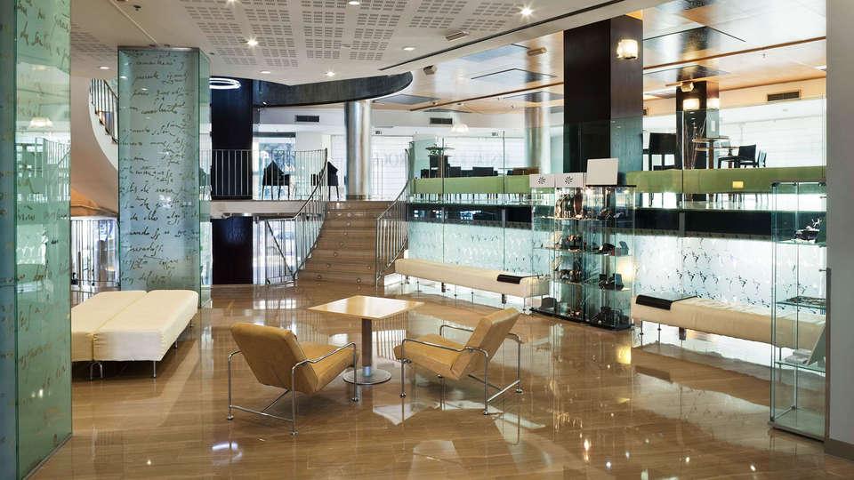 Hotel Alameda Plaza Valencia - EDIT_lobby.jpg