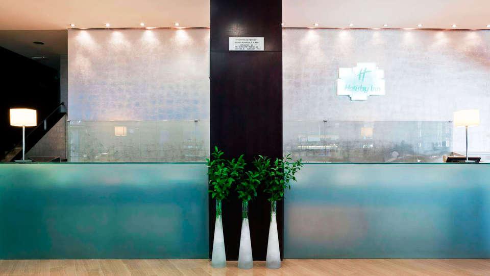 Hotel Alameda Plaza Valencia - EDIT_reception.jpg